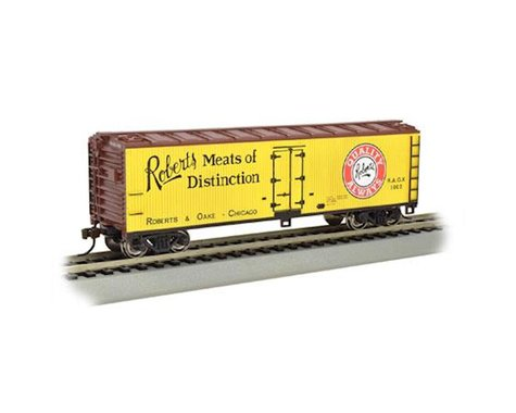Bachmann Roberts Meats of Distinction 40' Wood-Side Refrigerator Box Car