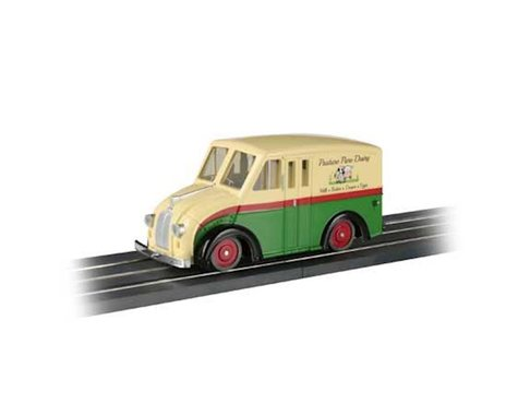 Bachmann E-Z Street Pasture Pure Dairy Delivery Van (O Scale)