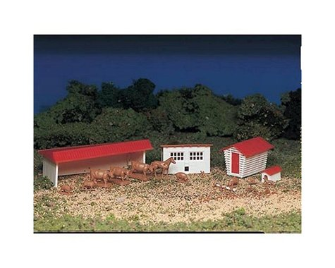 Bachmann Farm Building w/ Animals (HO Scale)