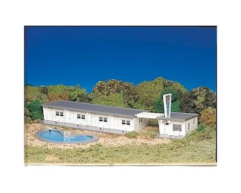 Bachmann Motel w/ Pool (HO Scale)