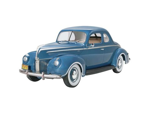Revell Germany 1/25 '40 Ford Standard Coupe