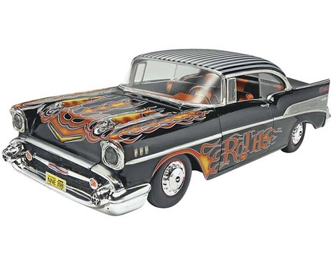 Revell Germany 1/25 '57 Chevy Bel Air