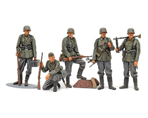 Tamiya Mid WWII German Infantry Set 1/35 Model Kit