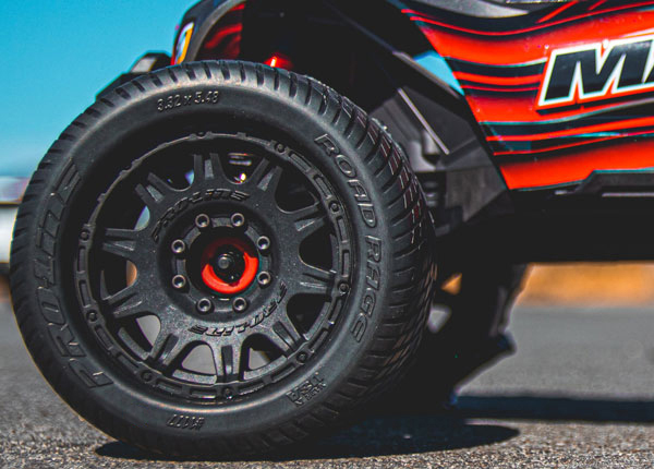 Road Rage MX38 3.8 Tire with Raid Wheels