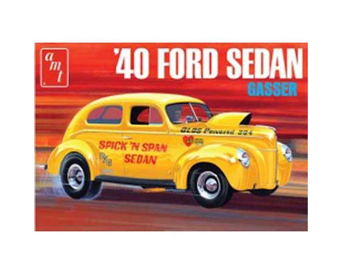 1/25 1940 Ford Sedan, OAS by AMT