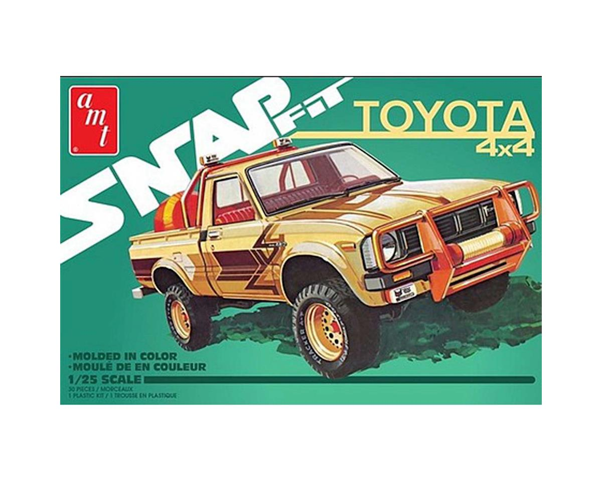 AMT 1/25 1980 Toyota Hilux SR5 Pickup 2T, Snap