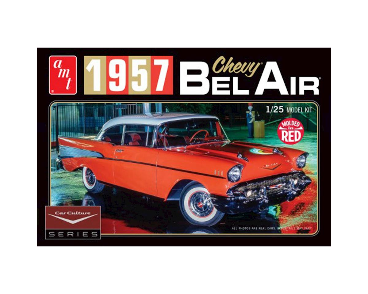 AMT 1957 Chevy Bel Air w/Diorama & Photo Booklet Color