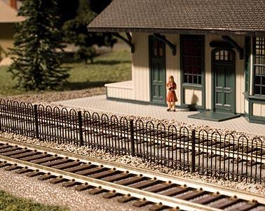 "Atlas Railroad N-Scale 15"" Hairpin Fence"