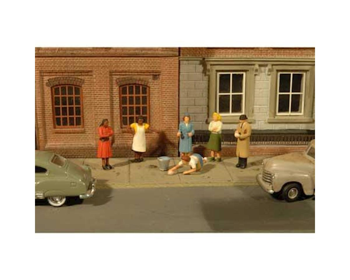 HO Sidewalk People (7) by Bachmann