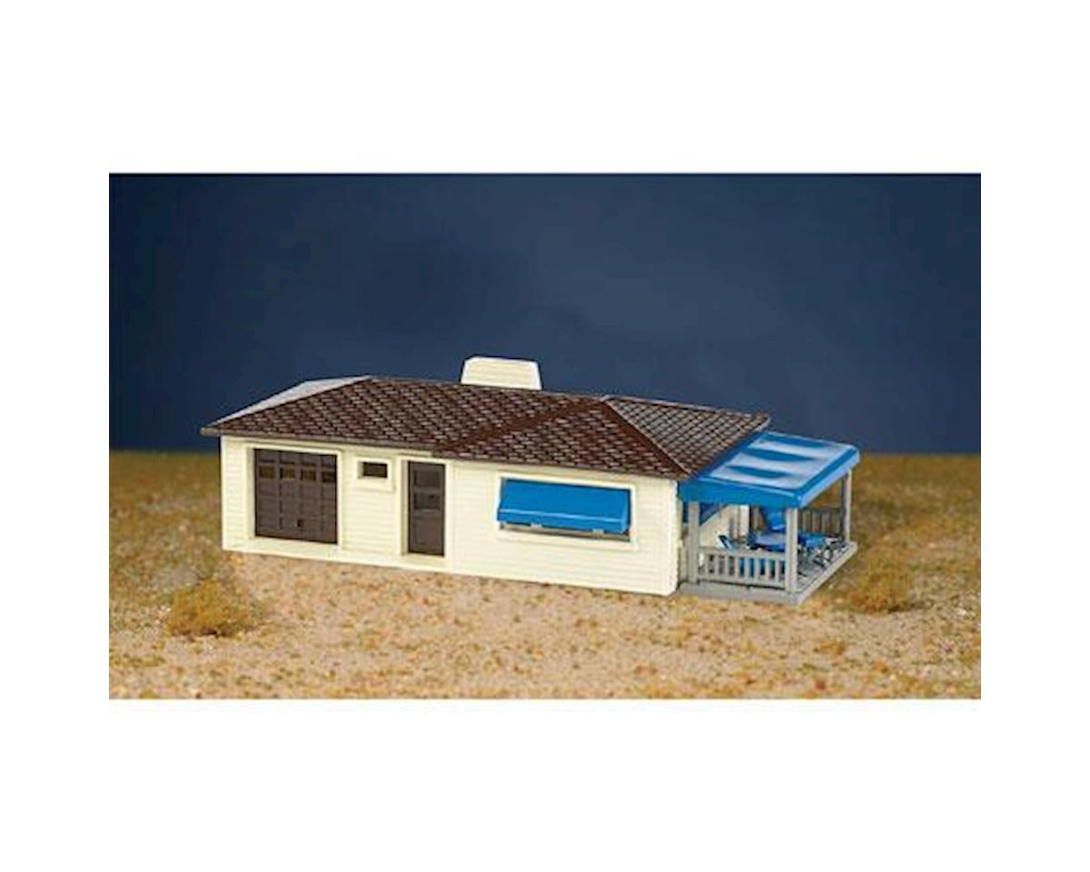 HO Snap KIT Ranch House, Cream/Brown by Bachmann