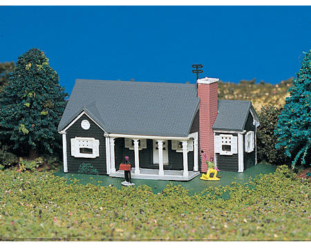 Bachmann N-Scale Plasticville Built-Up New England Ranch House
