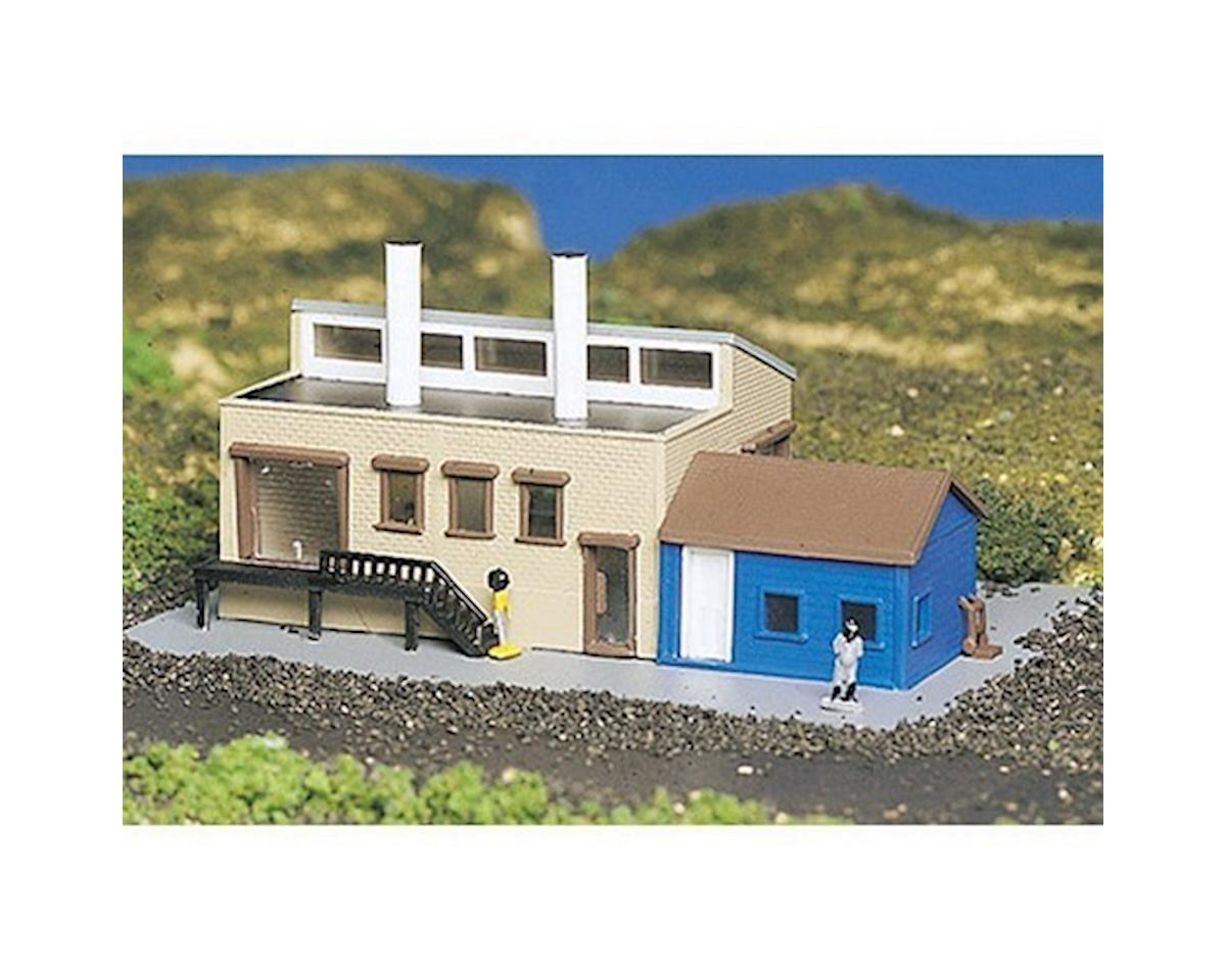 Bachmann N Built Up Factory w/Accessories