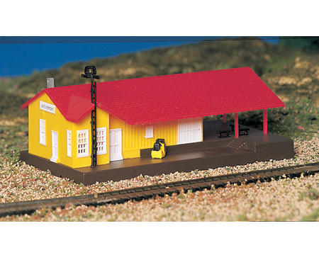 N-Scale Plasticville Built-Up Freight Station by Bachmann
