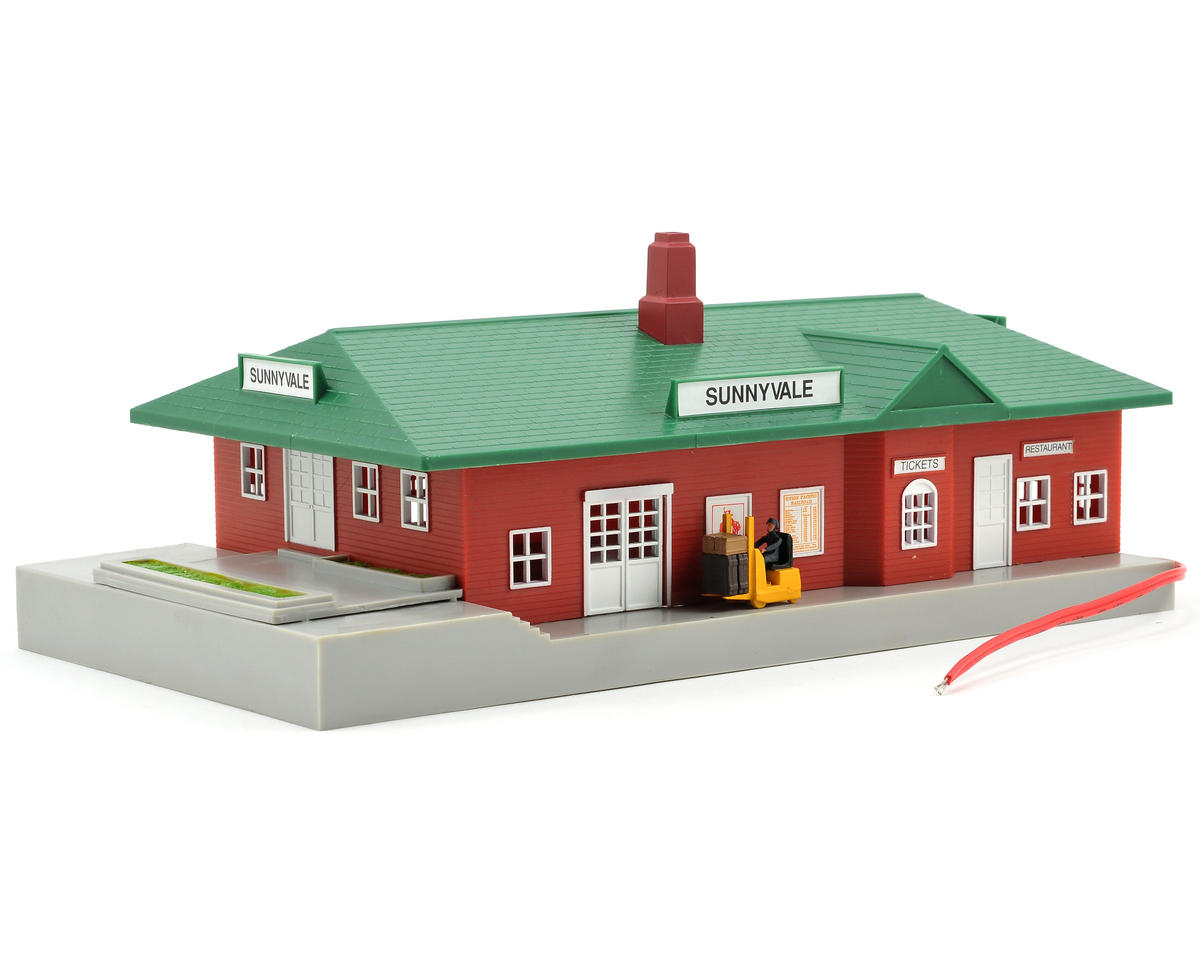 Bachmann HO-Scale Lighted Sunnyvale Passenger Station Kit