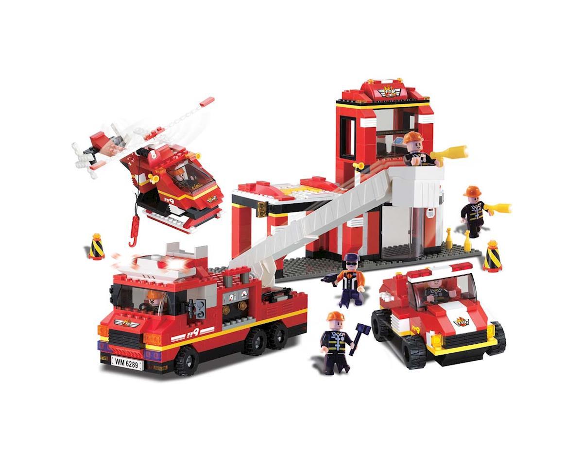 11304 Fire Station w/Sound/Light 713pcs