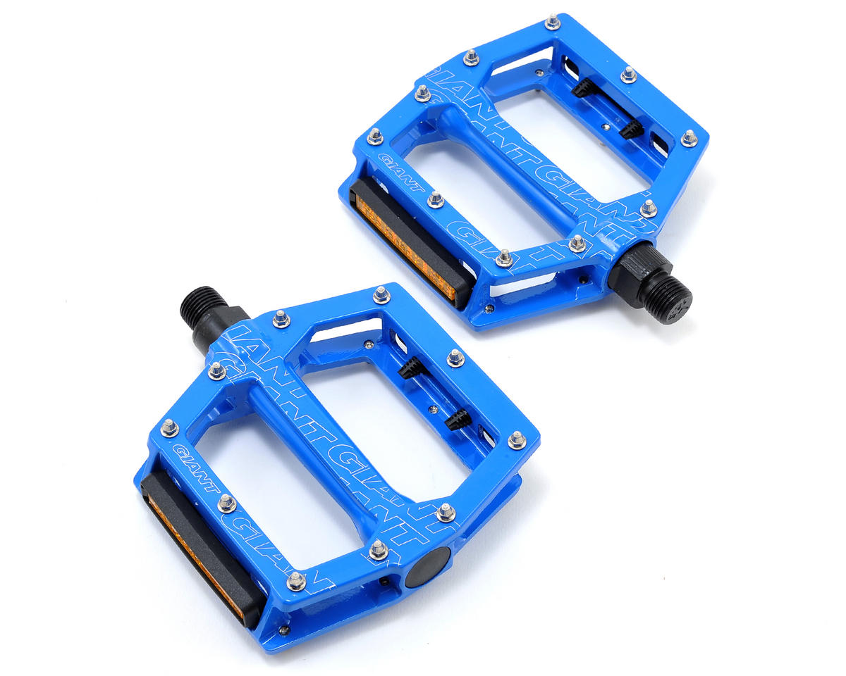 "Giant Original MTB Core Platform Pedals 9/16"" Axle (Blue)"