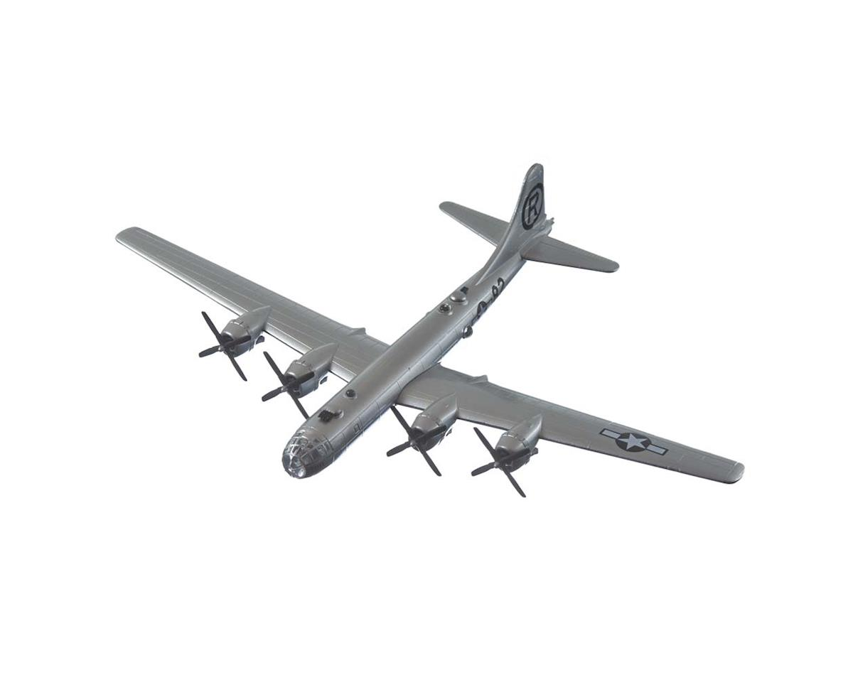 "Daron Worldwide Trading 5388 1/200 B-29 Superfortress ""Enola Gay"""
