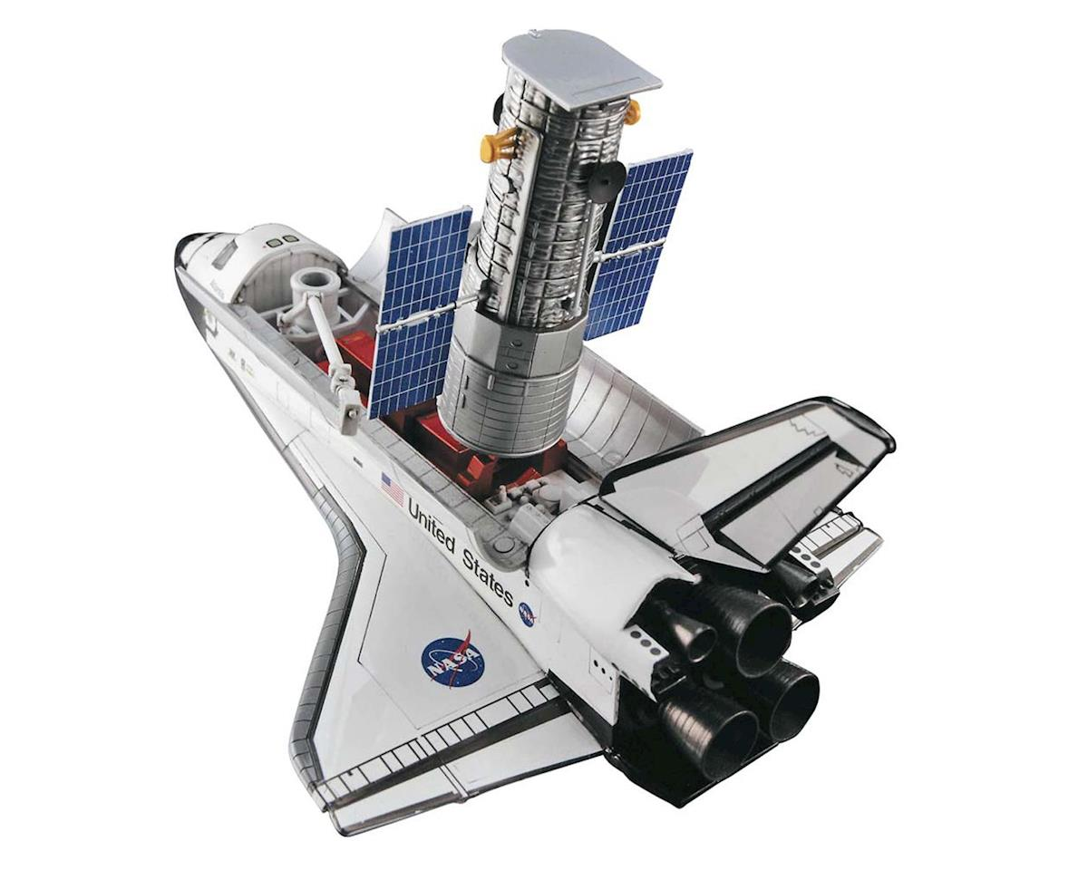 Hasegawa 10821 1/200 Hubble Telescope and Shuttle w/Astronauts
