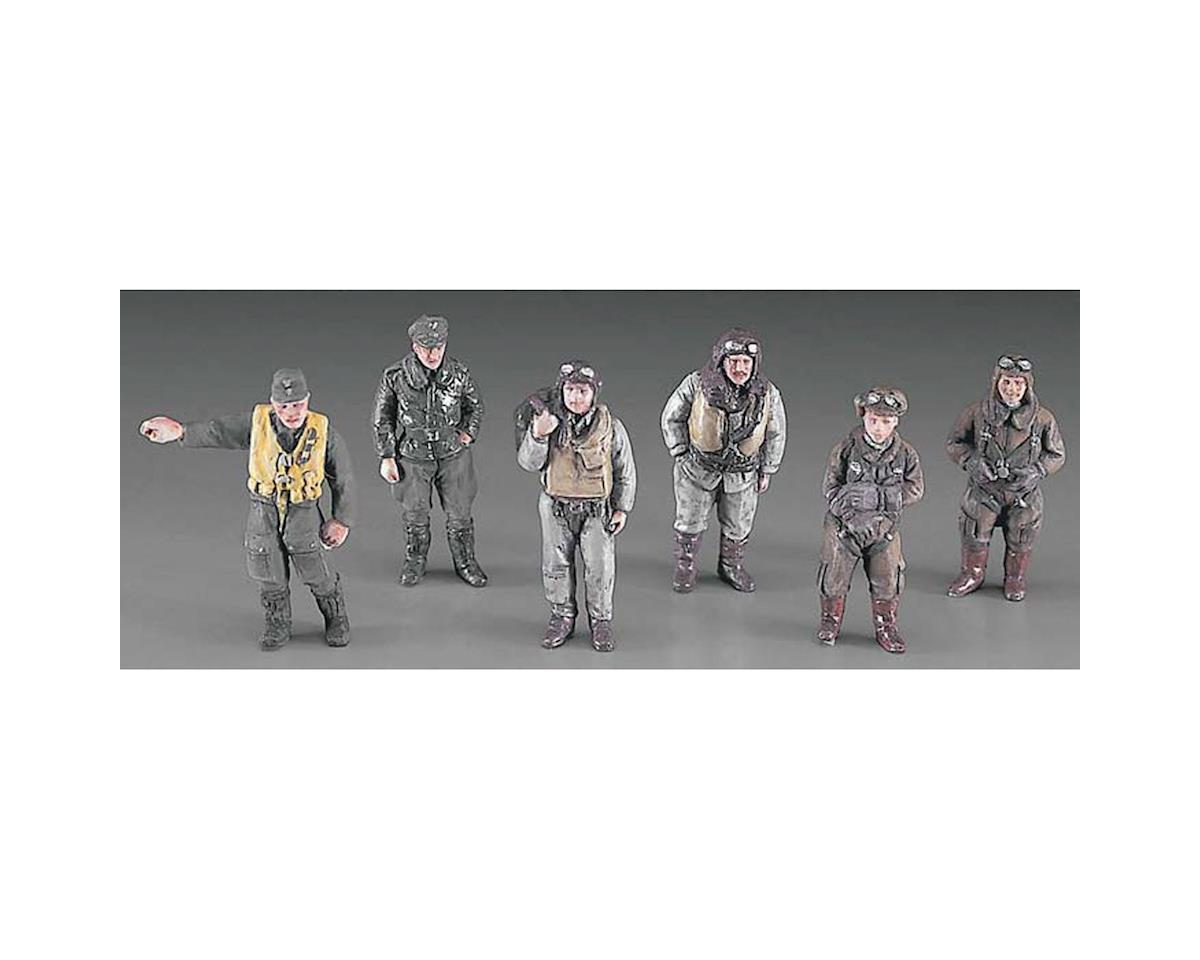 36107 1/48 WWII Pilot Figure Set by Hasegawa