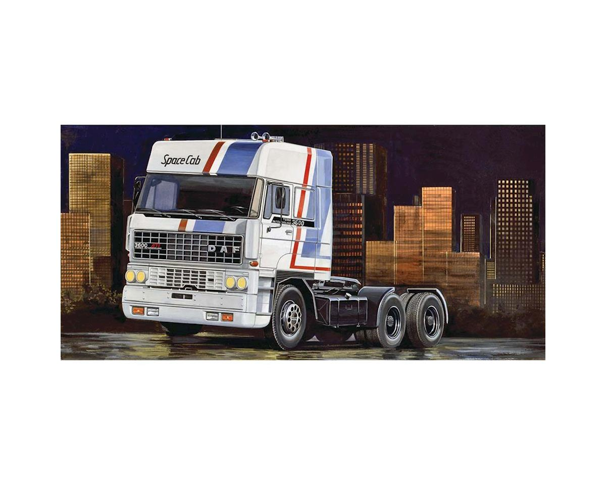 1/24 DAF 3600 Space Cab Truck by Italeri Models
