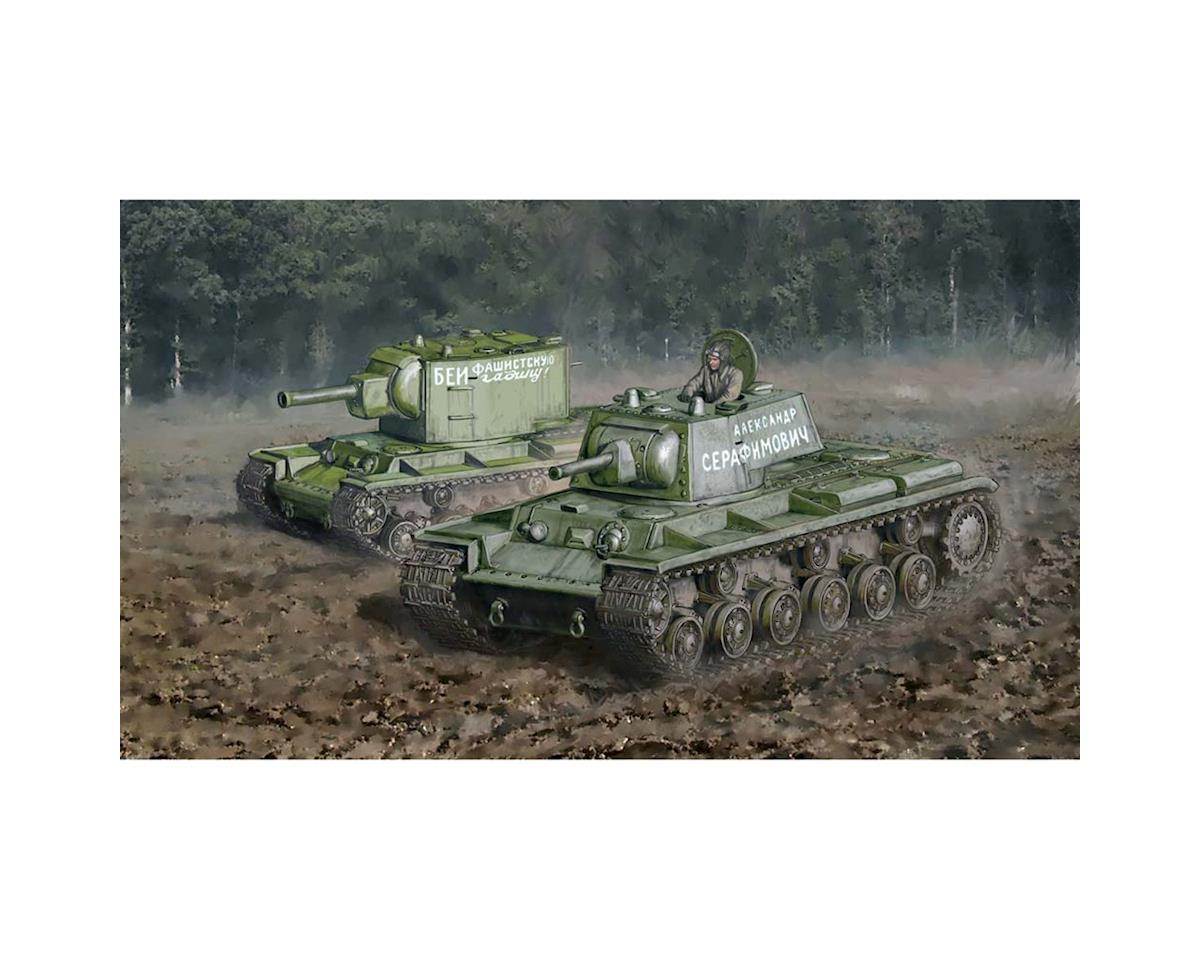 Italeri Models 1/56 KV1/KV2 Tank with Driver