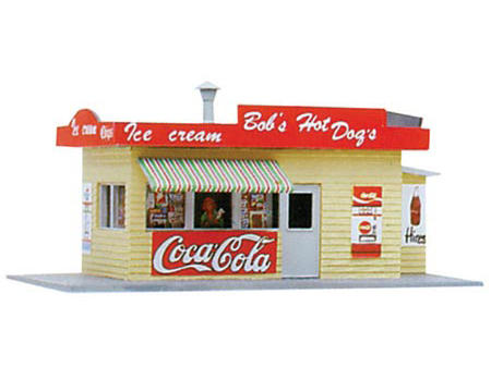 "Model Power HO-Scale Built-Up ""Bob's Hot Dogs"" w/Figures (Lighted)"