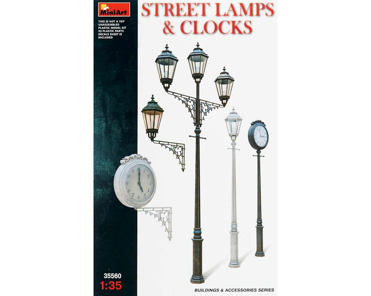 35560 1/35 Assorted Street Lamps (3) / Clocks (2)