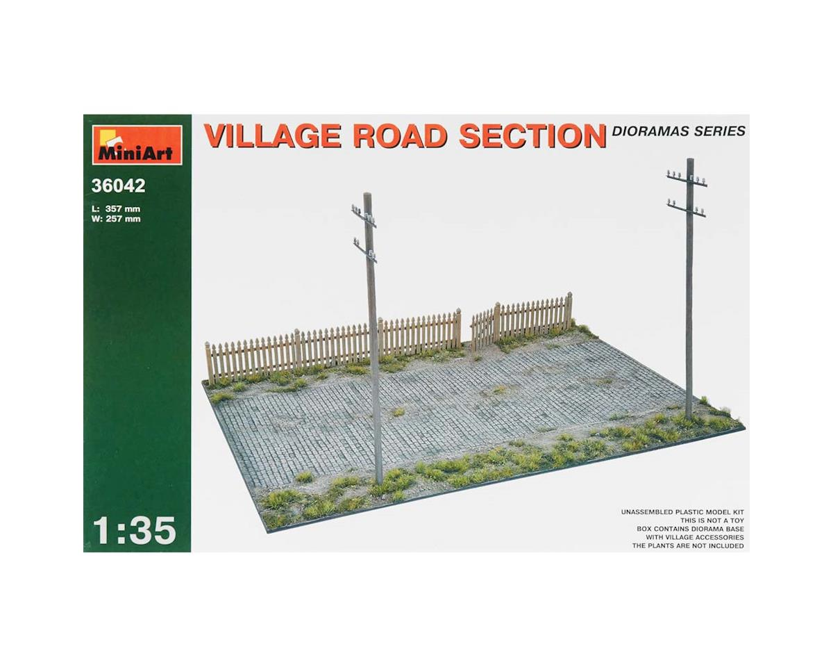 36042 1/35 Village Road Sections w/Telephone Poles
