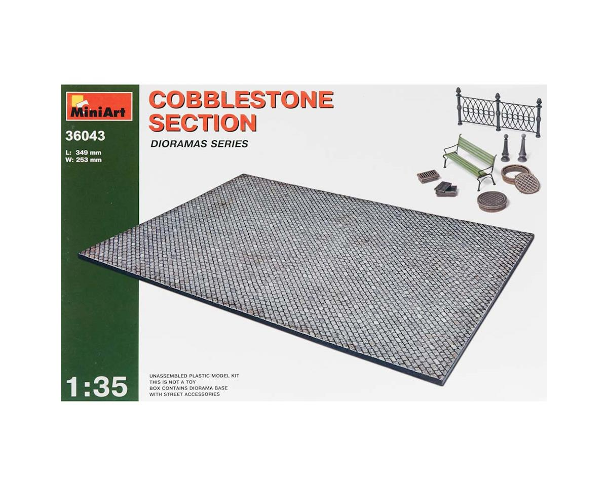 36043 1/35 Cobblestone Section w/Street Accessories