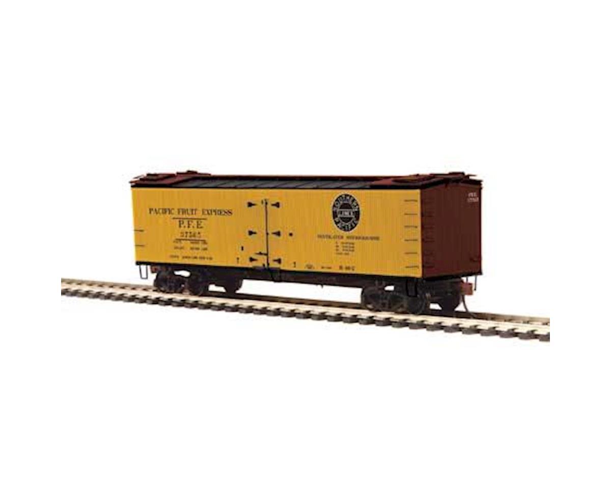 MTH Trains HO R40-2 Wood Reefer, PFE #37569