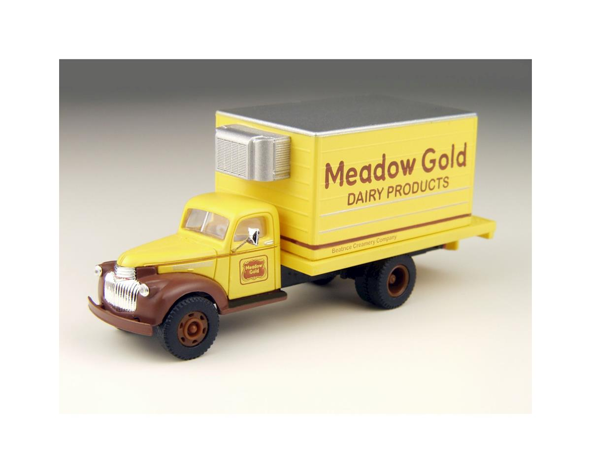 Classic Metal Works HO 1941-46 Chevy Box Truck, Meadow Gold