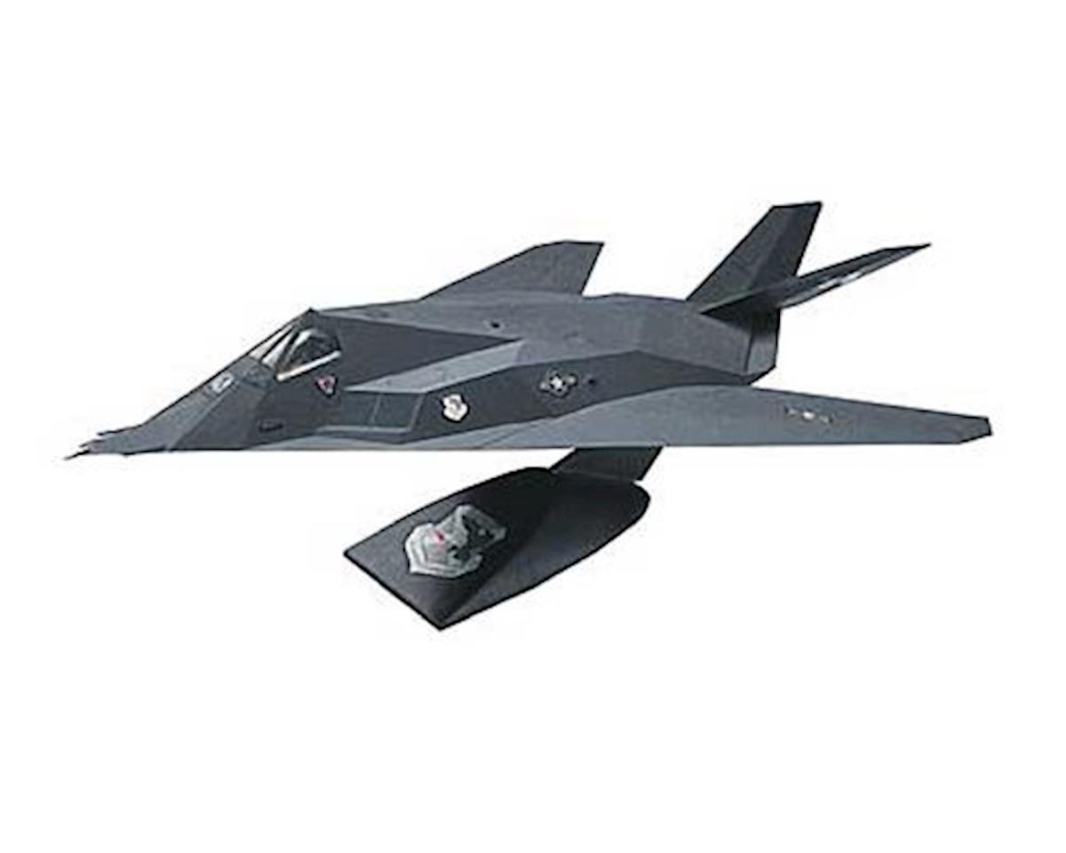 Revell 1/72 F-117A Stealth (Snap)