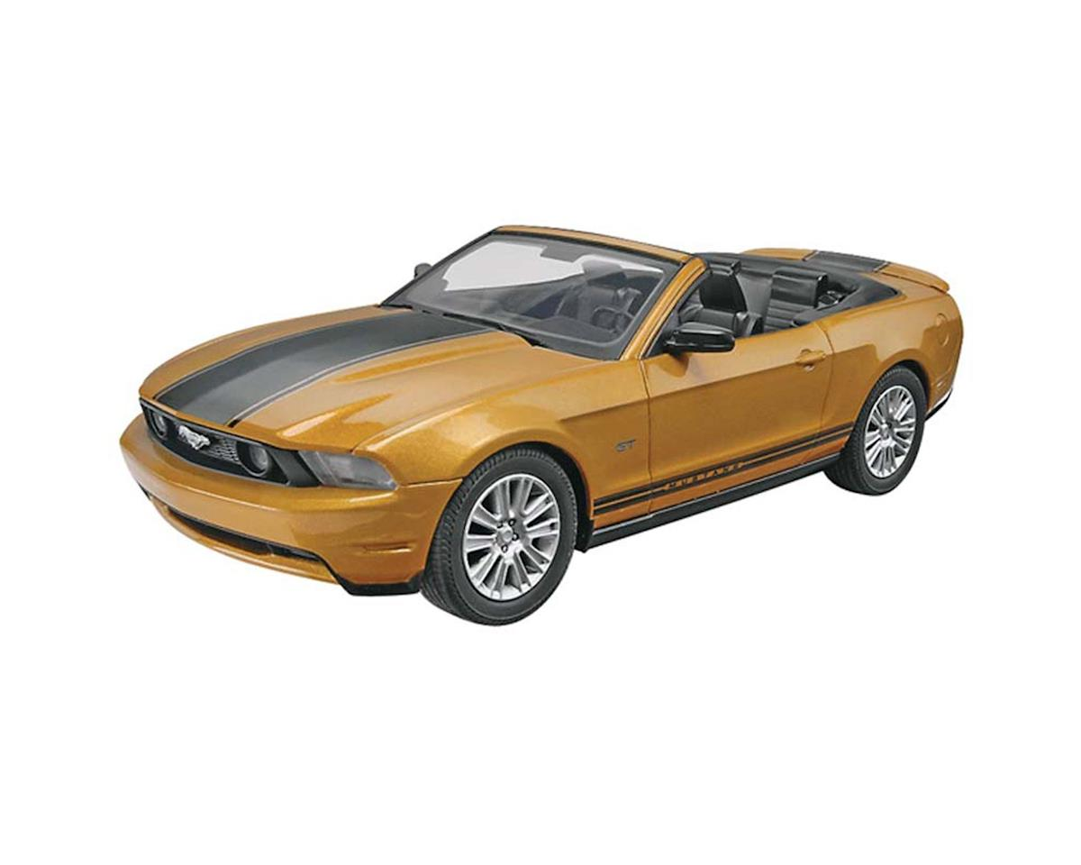 1/25 2010 Ford Mustang Convertible (Snap) by Revell