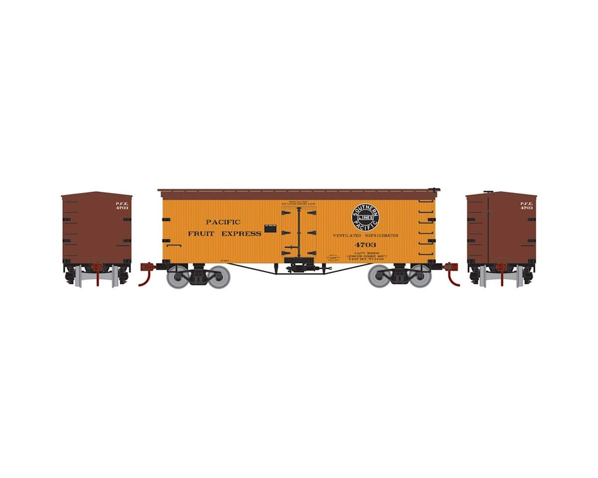 HO 36' Old Time Wood Reefer, PFE #4703 by Roundhouse