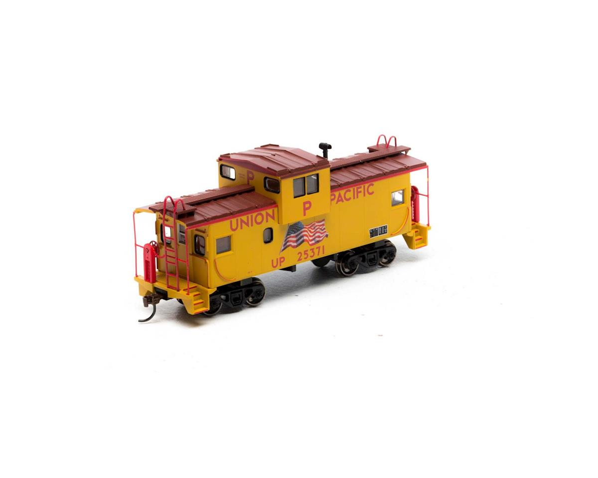 Roundhouse HO Wide Vision Caboose, UP/Flag #25371