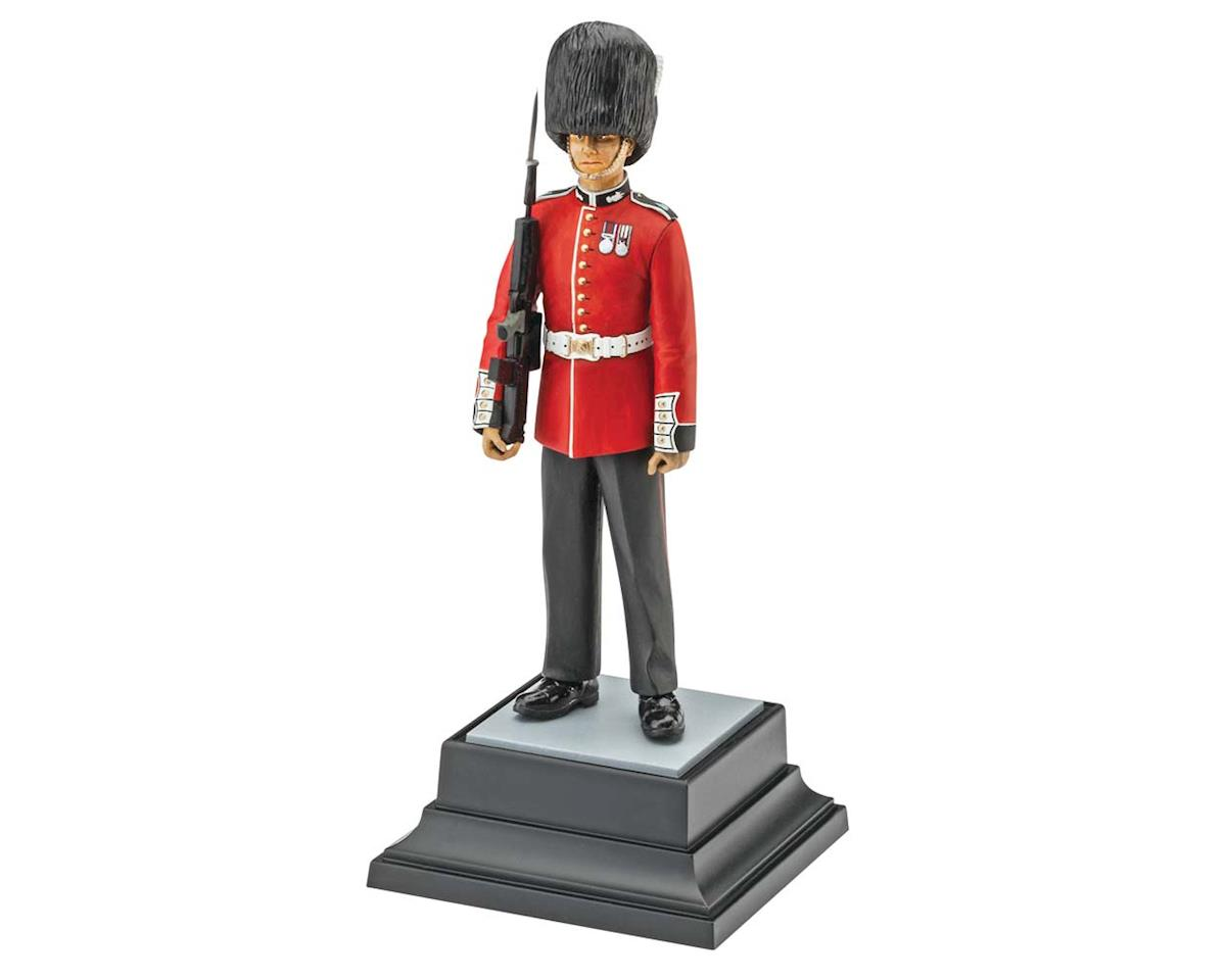 Revell Germany 02800 1/16 Queen's Guard