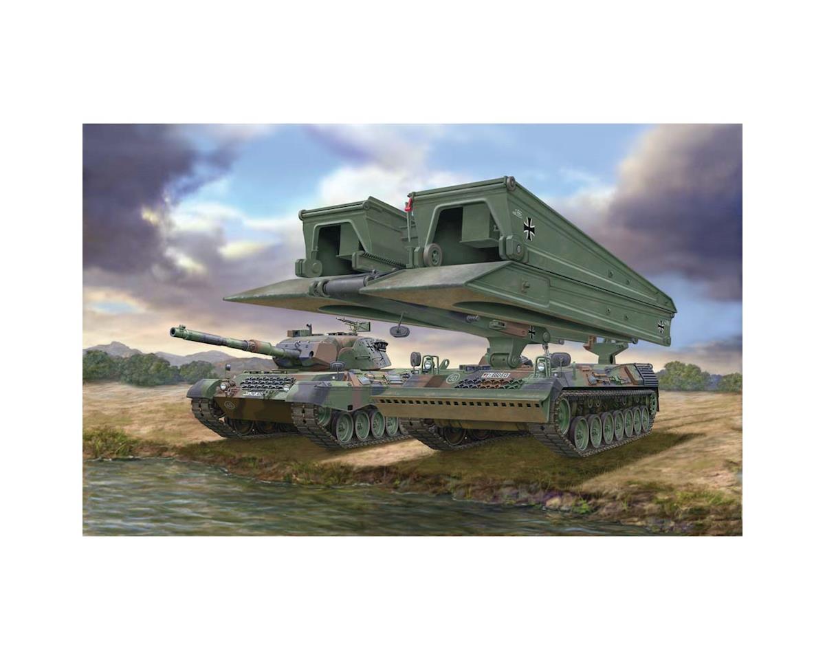 Revell Germany 03307 1/72 Leopard 1A5/Bridgelayer Biber