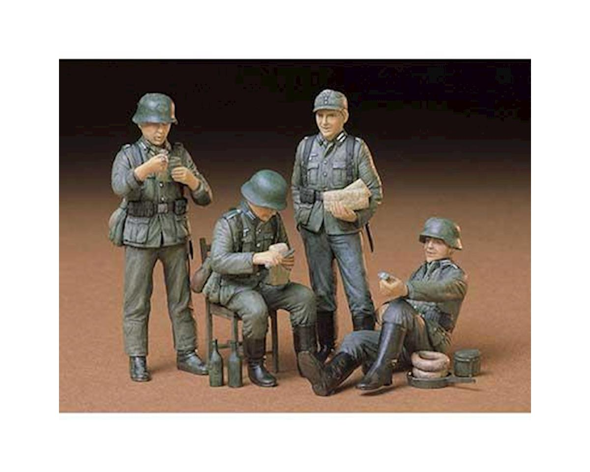 1/35 German Soldiers at Rest (4) (D) by Tamiya