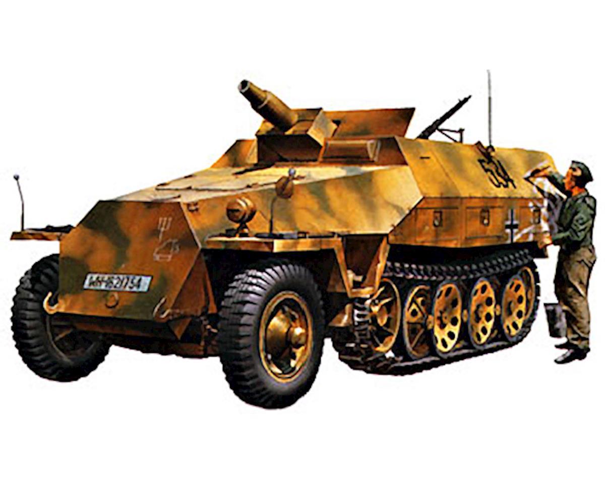 1/32 German Sd.Kfz. 251/9 Kanonenwagen by Tamiya