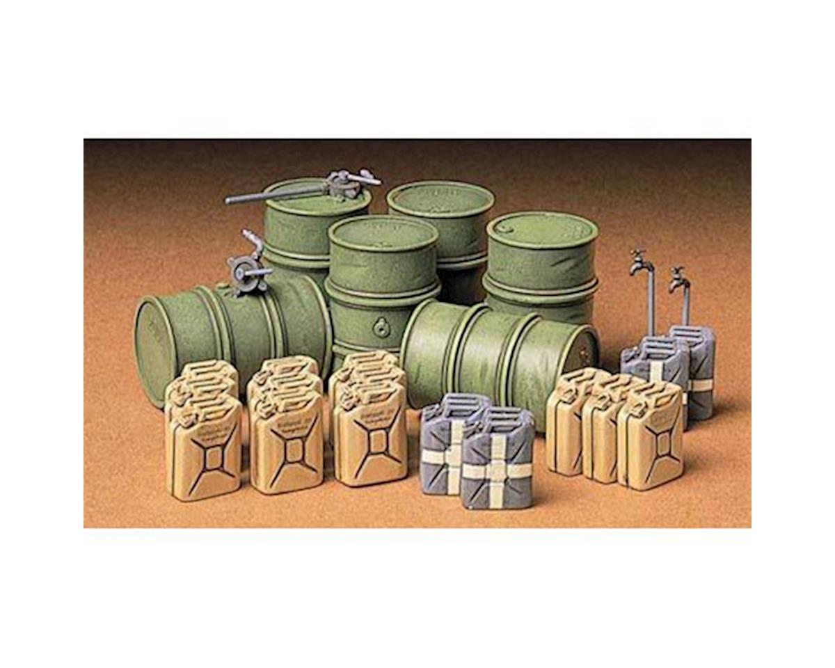 Tamiya 1 35 GER FUEL DRUM SET