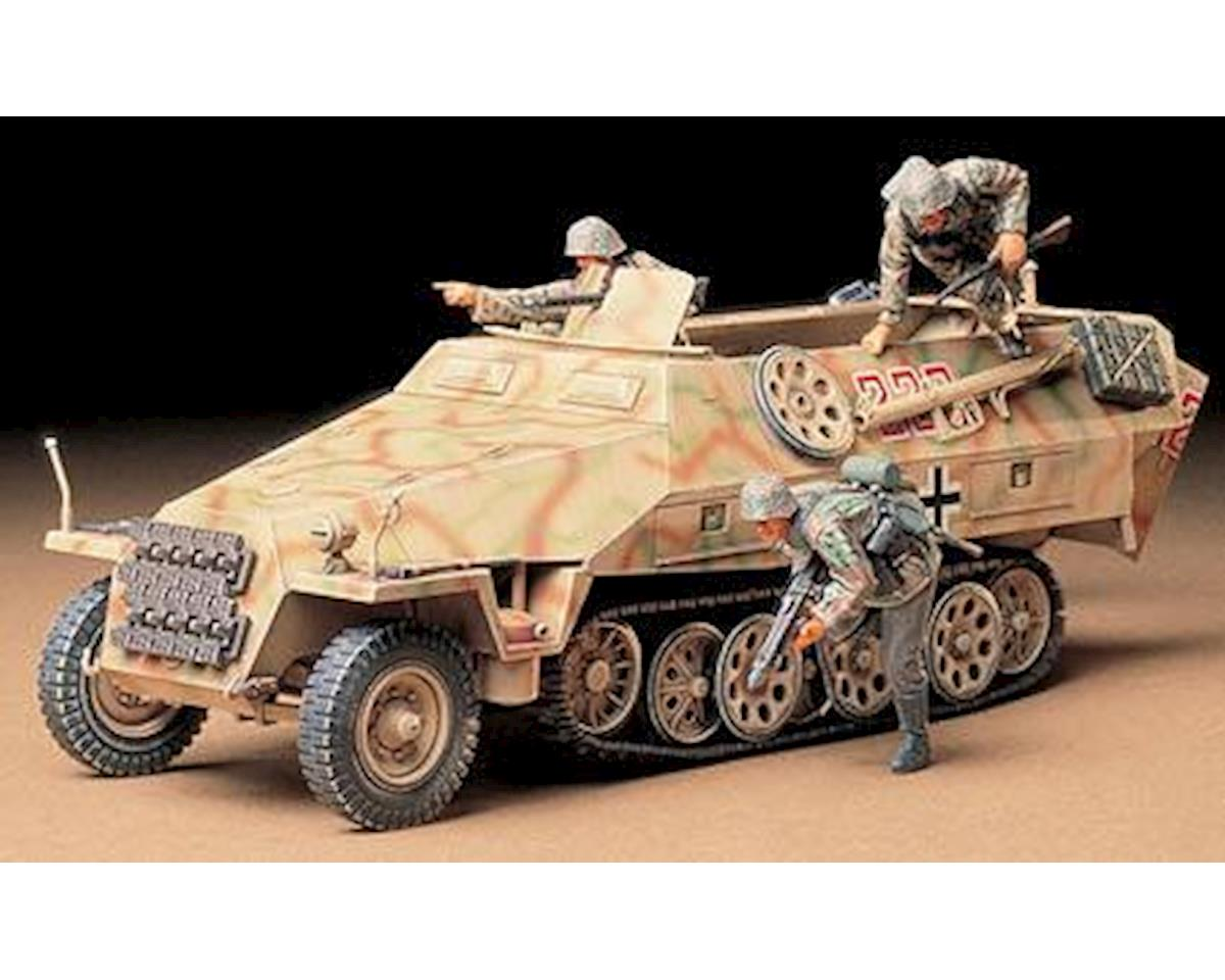 1/35 German Sd.Kfz. 251/1 by Tamiya