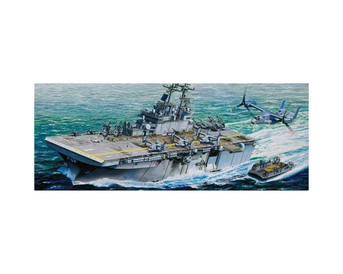 Trumpeter Scale Models 5611 1/350 USS Wasp LHD-1 Amphibious Assault Ship