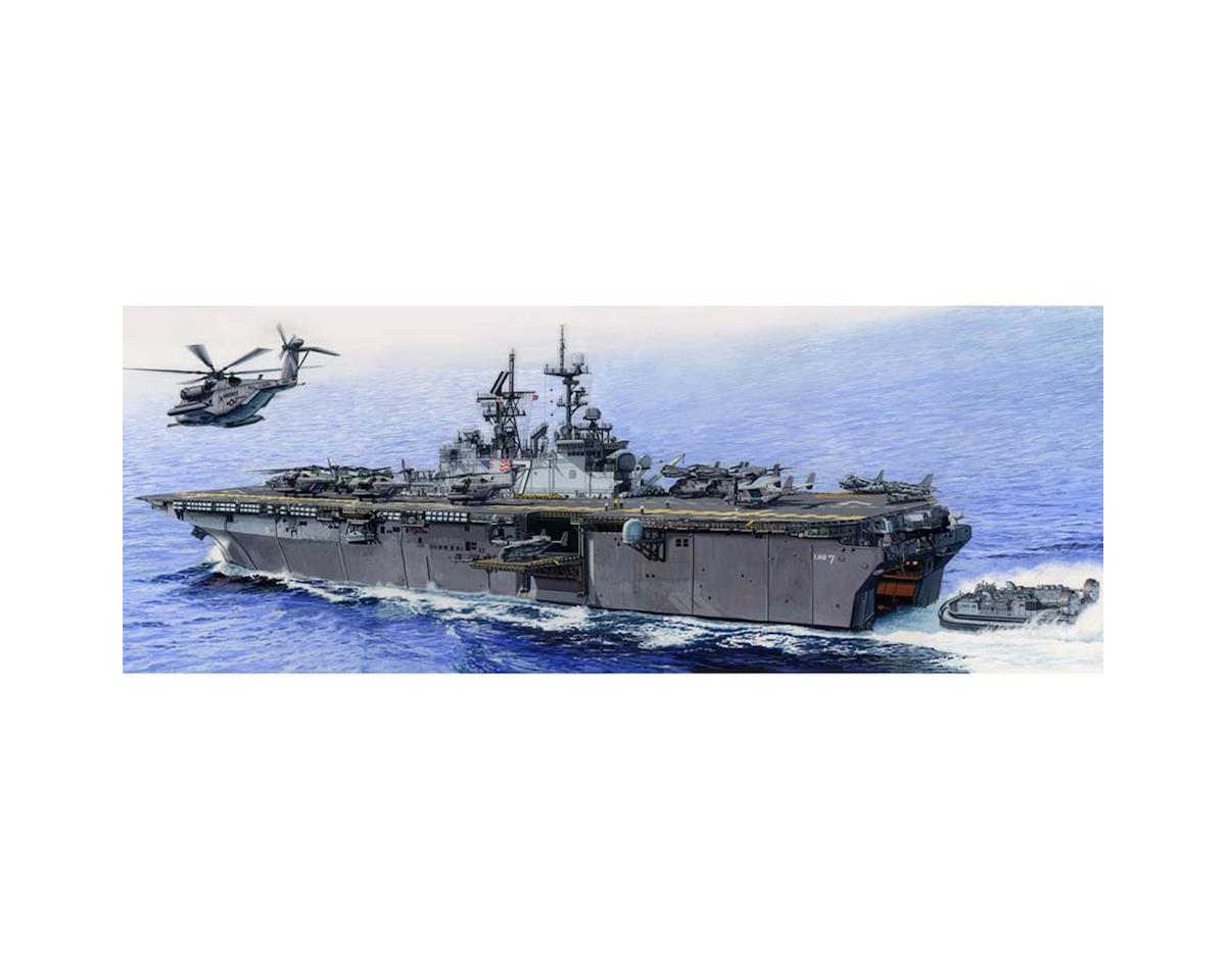 Trumpeter Scale Models 5615 1/350 USS Iwo Jima LHD-7 Amphibious Assault Ship