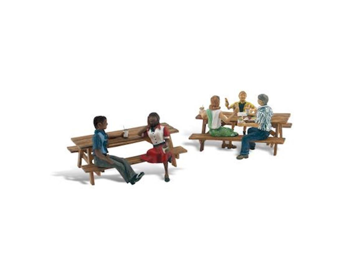 Woodland Scenics N Scenic Accents Outdoor Dining (5 Figures & 2 Pic