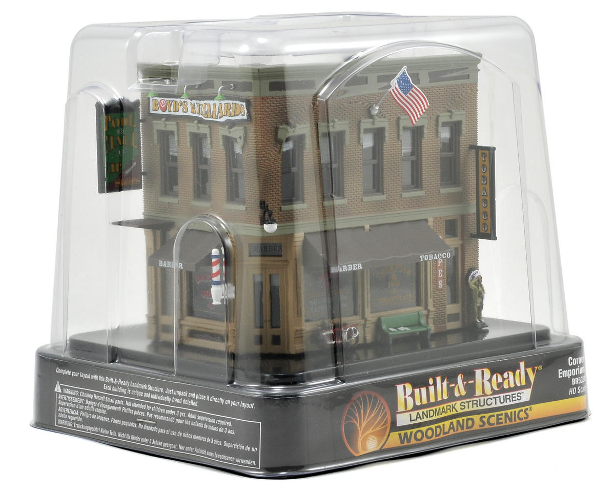 Woodland Scenics HO-Scale Built-Up Corner Emporium